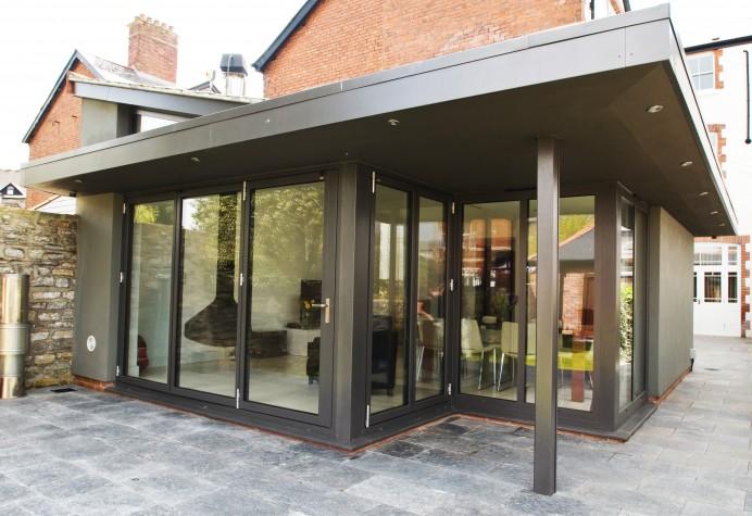 Corner Bi-Fold Doors in Nottingham